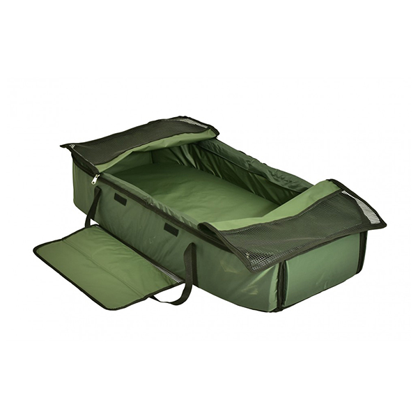 CARP ON ENCLOSED LEAF CARP CRADLE WITH KNEELING